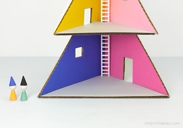 mrprintables-how-to-make-christmas-tree-cardboard-dollhouse-6